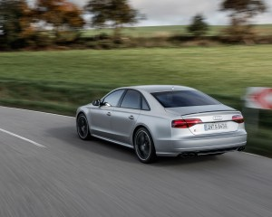 2016 Audi S8 Plus Test Side and Rear View