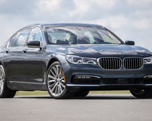 2016 BMW 750i xDrive Gray Metallic