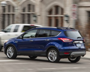 2016 Ford Escape Ecoboost SE Test Side and Rear View