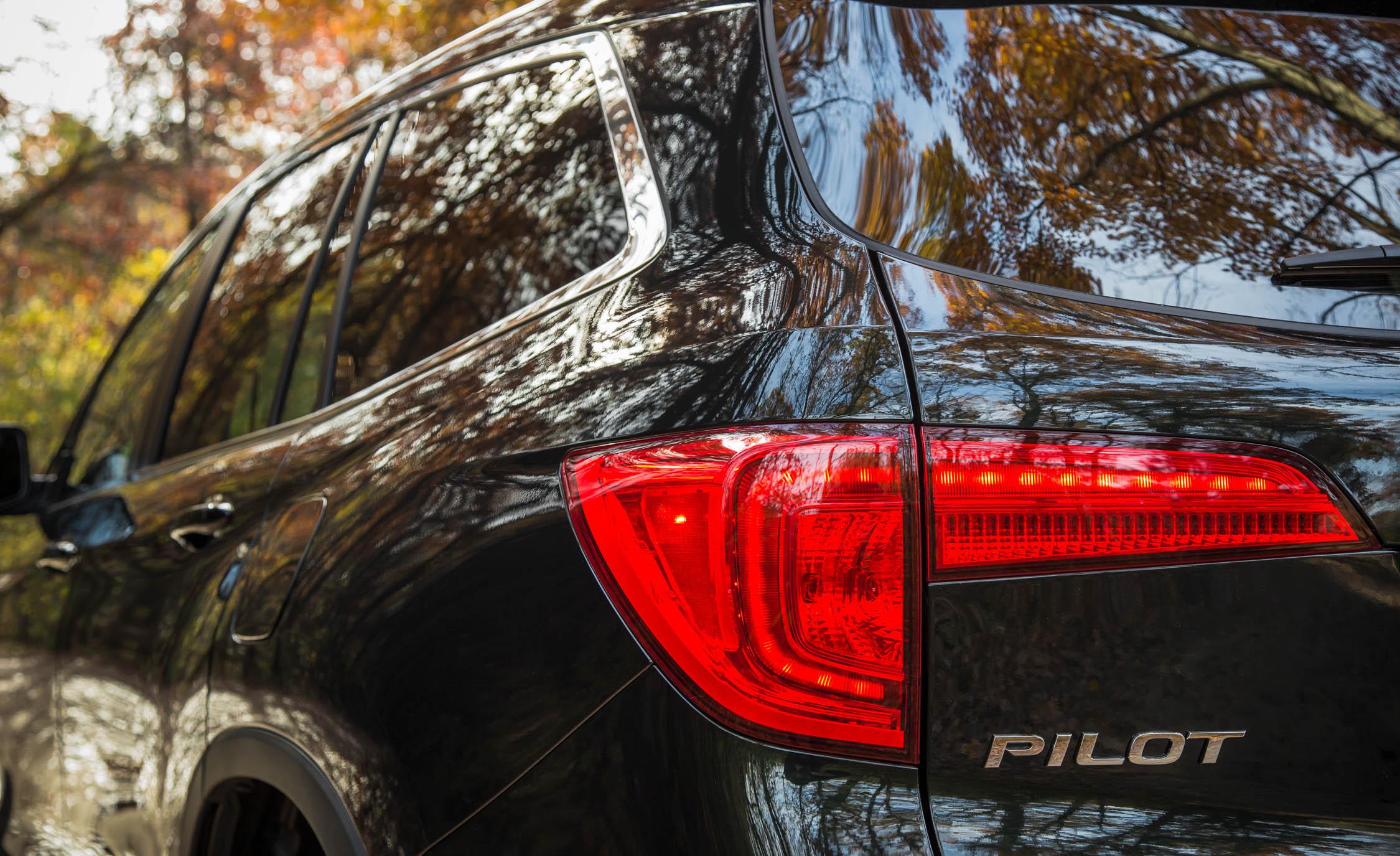 2016 Honda Pilot EX FWD Exterior Taillight Left