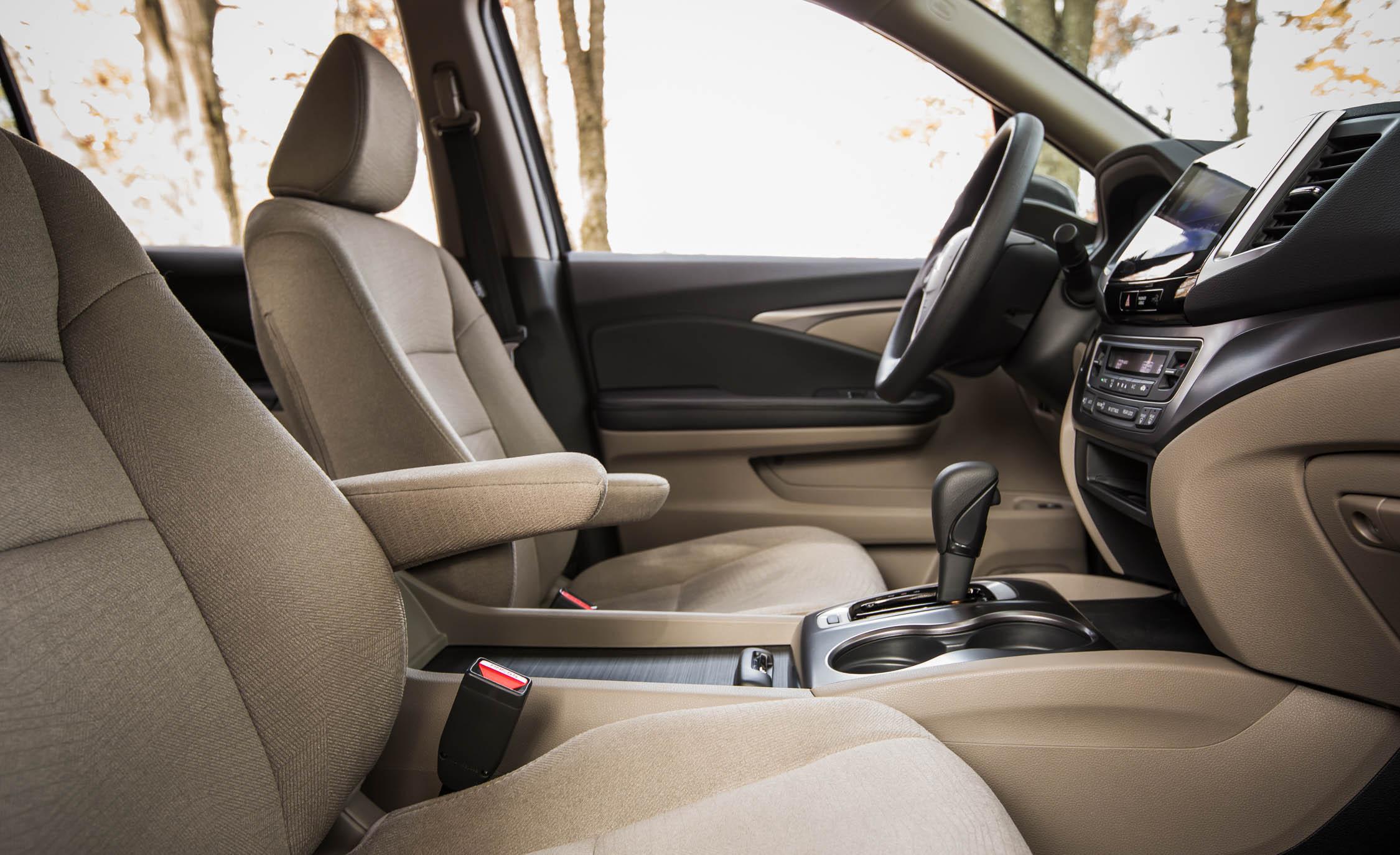 2016 Honda Pilot EX FWD Interior Cockpit Seat