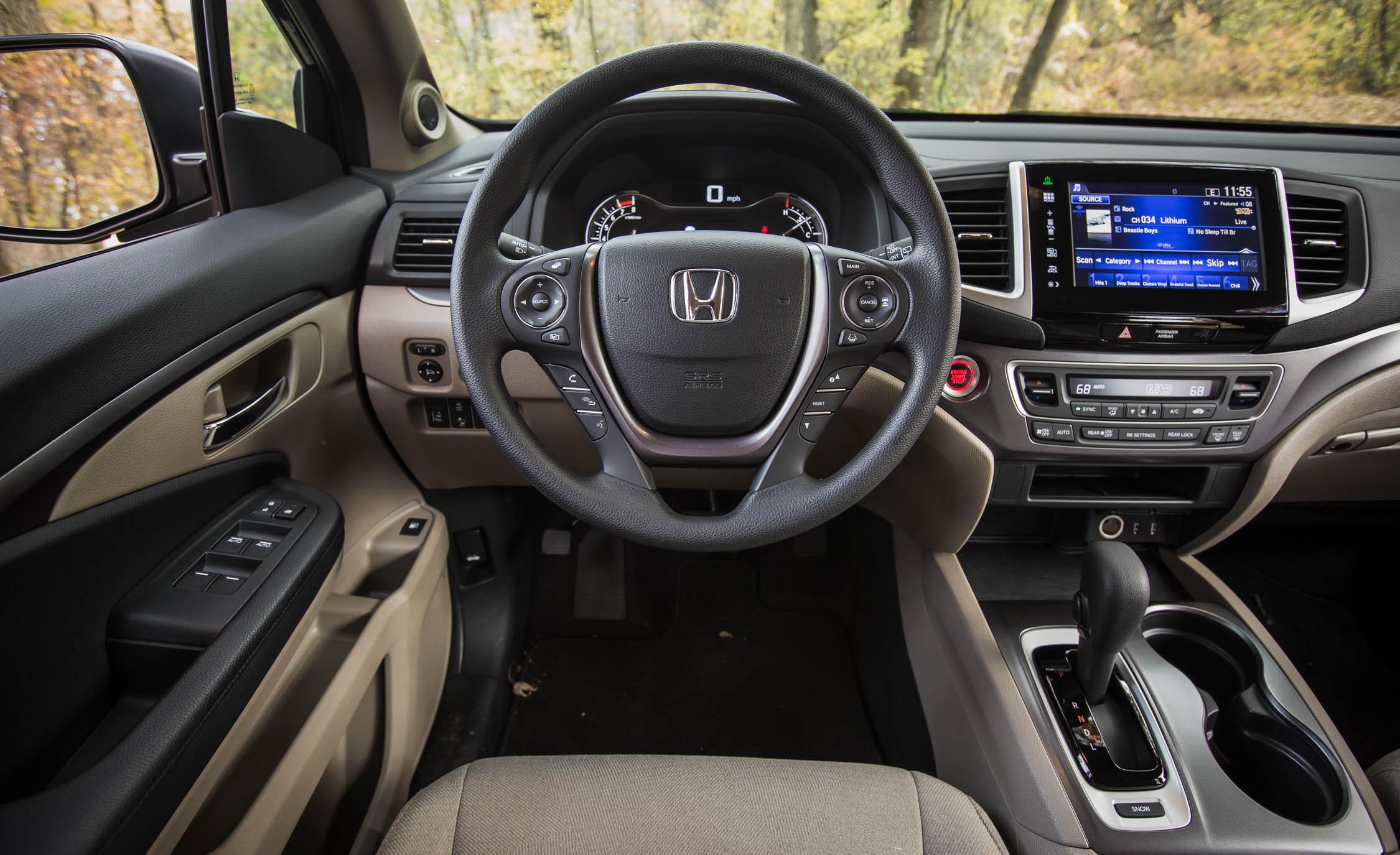 2016 Honda Pilot EX FWD Interior Cockpit
