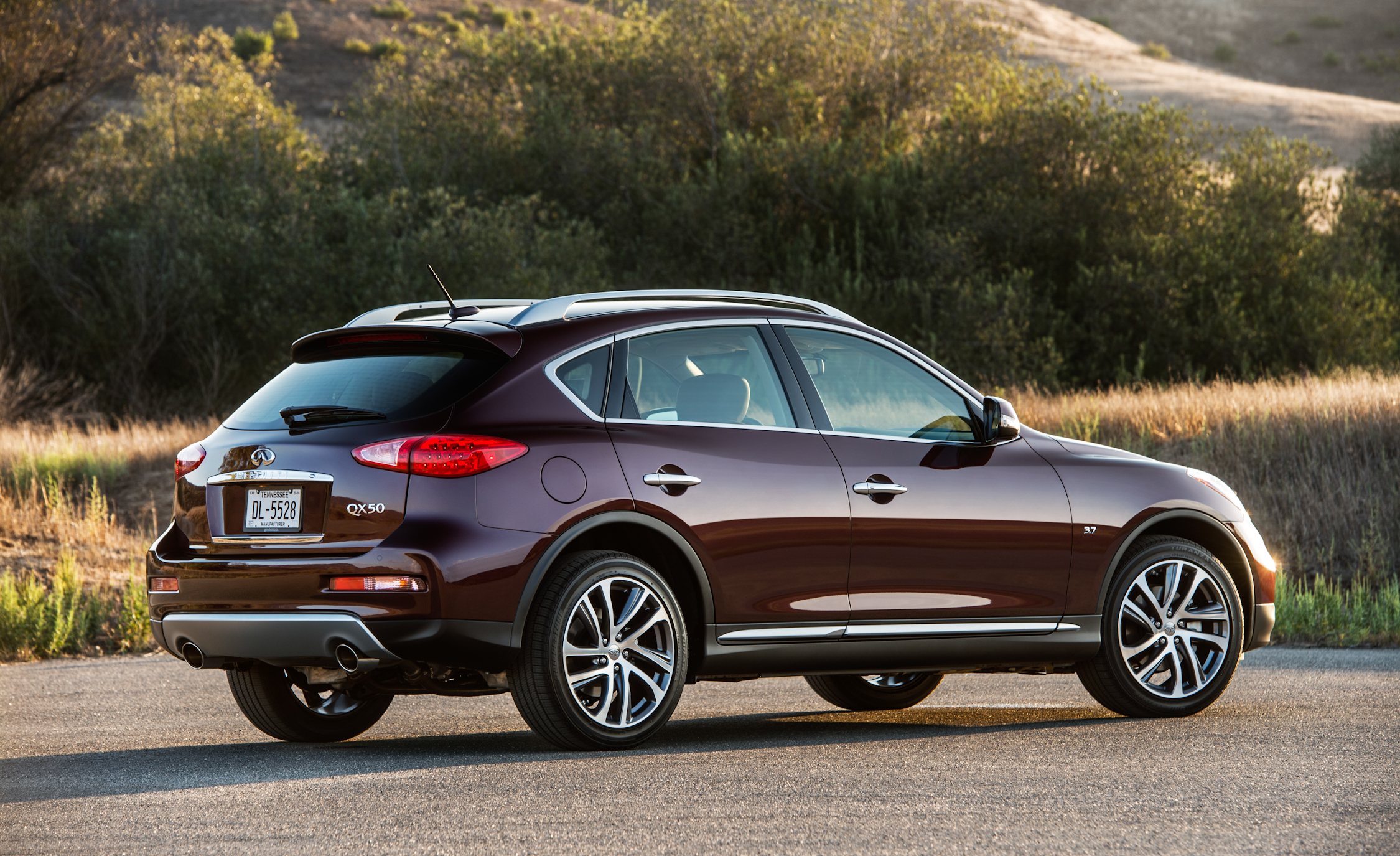 2016 Infiniti QX50 Exterior Full Rear and Side
