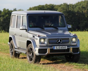 2016 Mercedes-Benz G65 AMG Exterior Front and Side