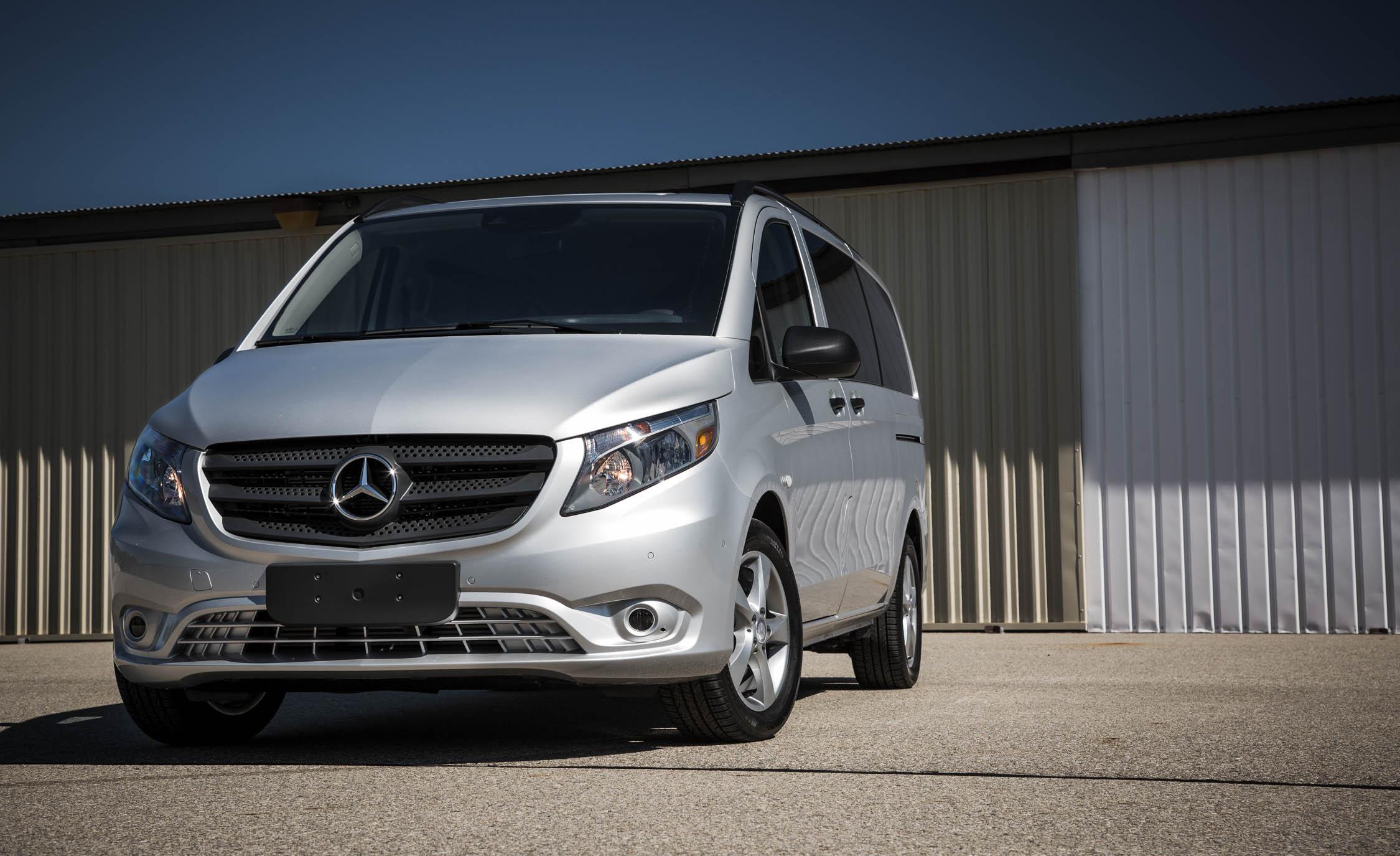 2016 Mercedes-Benz Metris Exterior Front