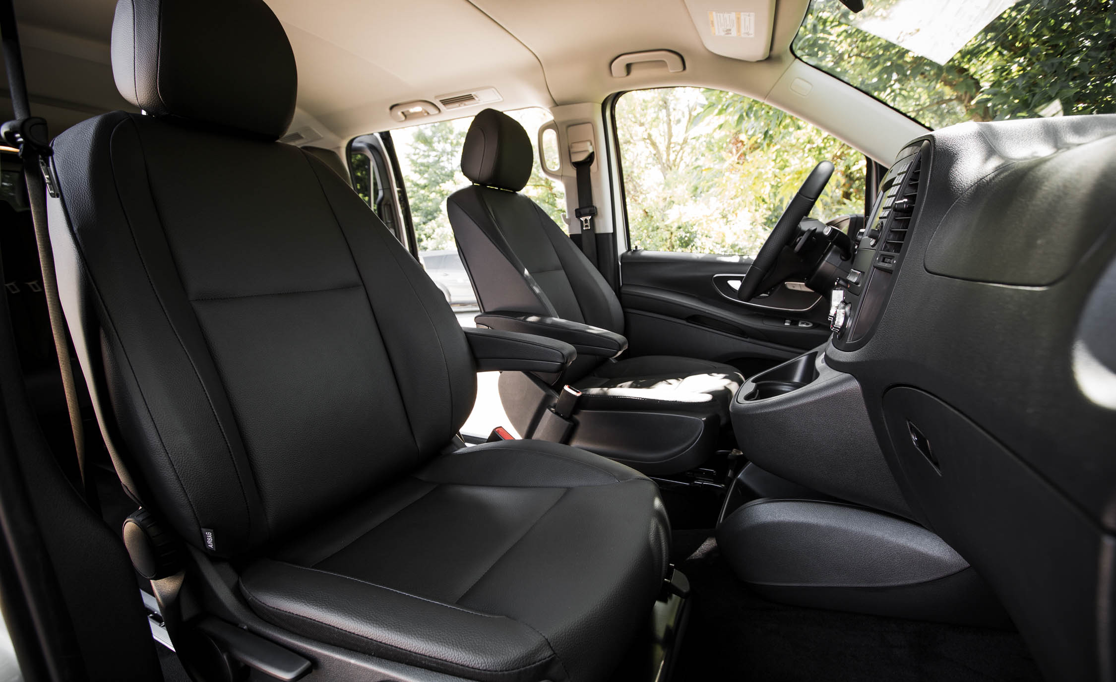 2016 Mercedes-Benz Metris Interior Front Passengers Seats