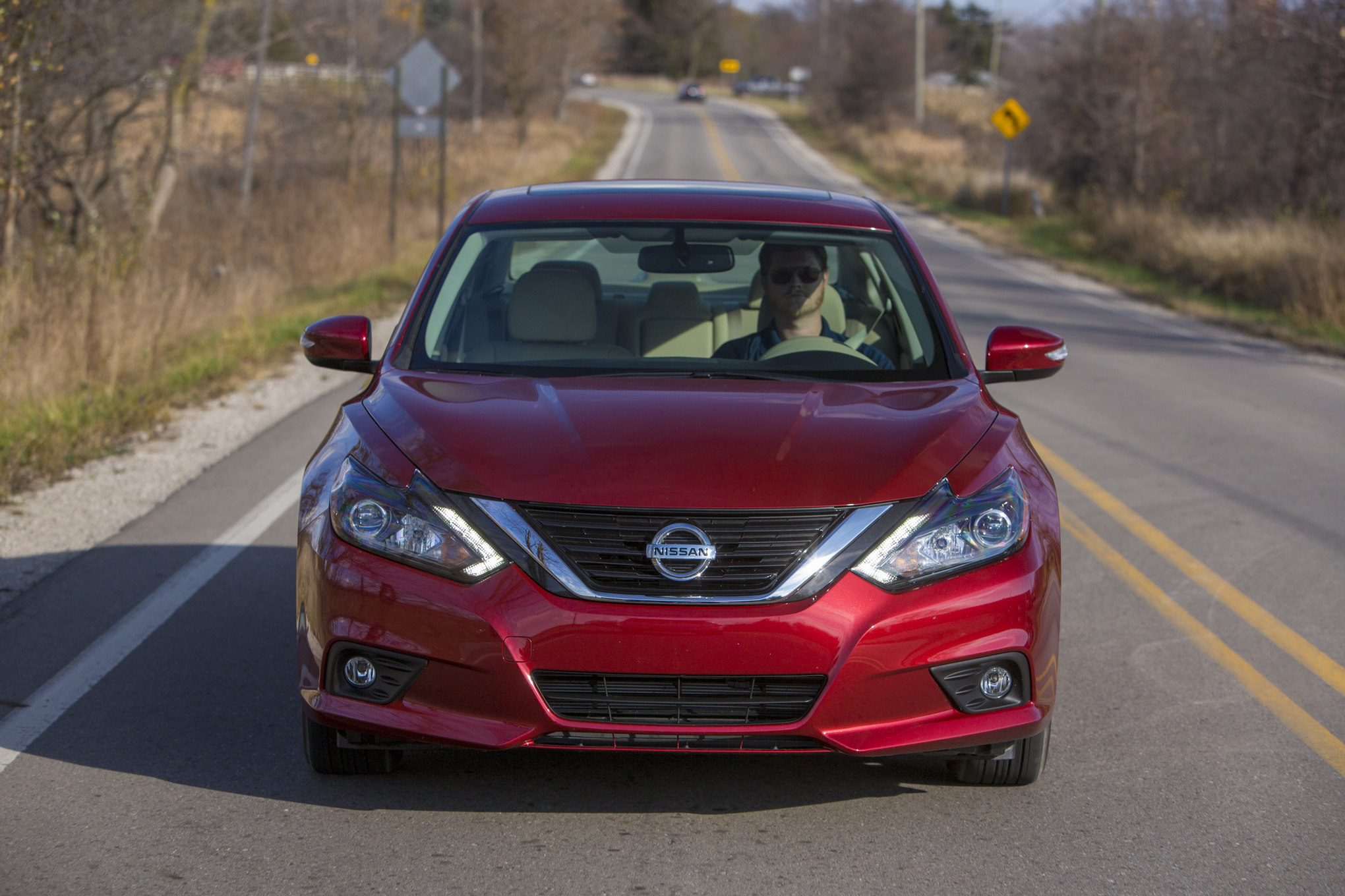 2016 Nissan Altima Exterior Red Front View