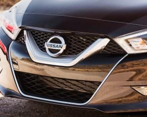 2016 Nissan Maxima SR Exterior Grille