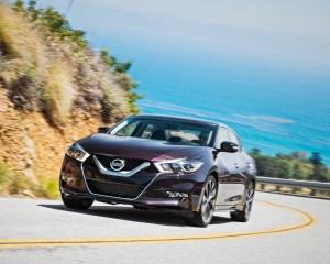 2016 Nissan Maxima SR Test Front View
