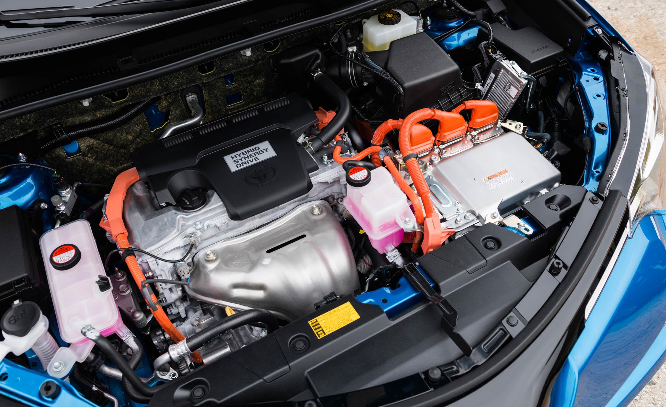 2016 Toyota RAV4 Hybrid 2.5-Liter Inline-4 Hybrid Engine