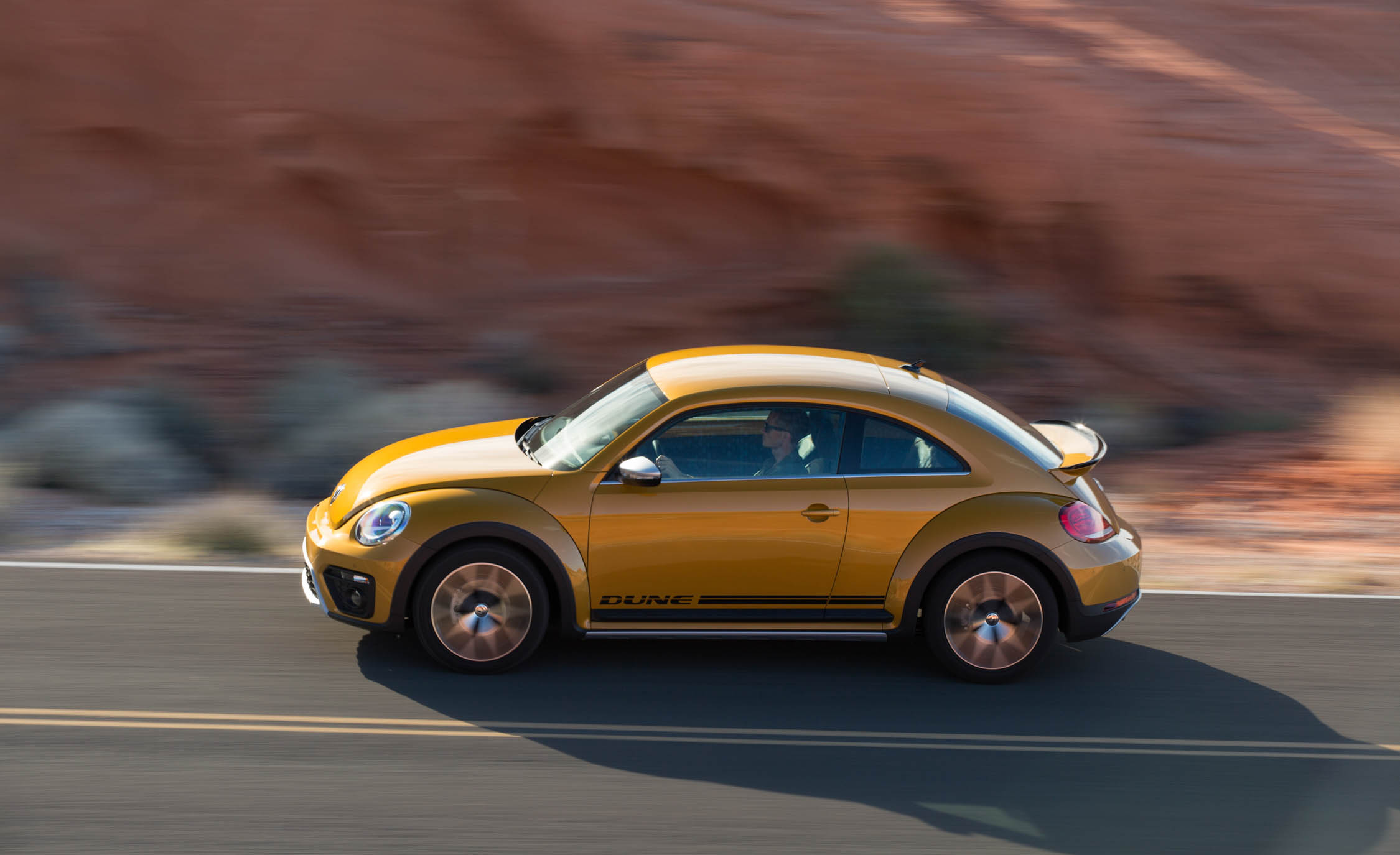 2016 Volkswagen Beetle Dune Test Side View