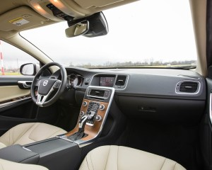2016 Volvo S60 T5 Inscription Interior Front