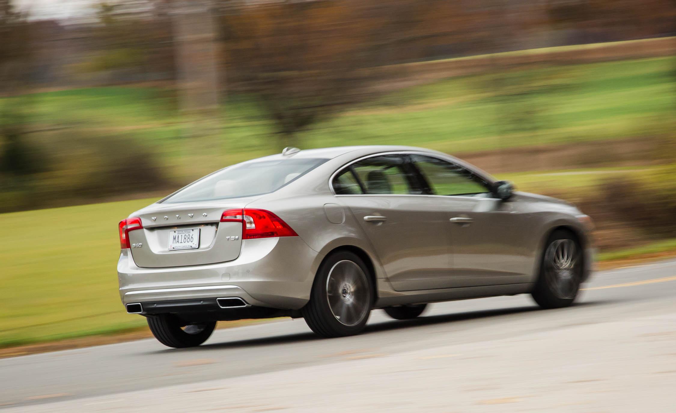 2016 Volvo S60 T5 Inscription Test Rear Side View