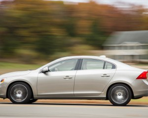 2016 Volvo S60 T5 Inscription Test Side View