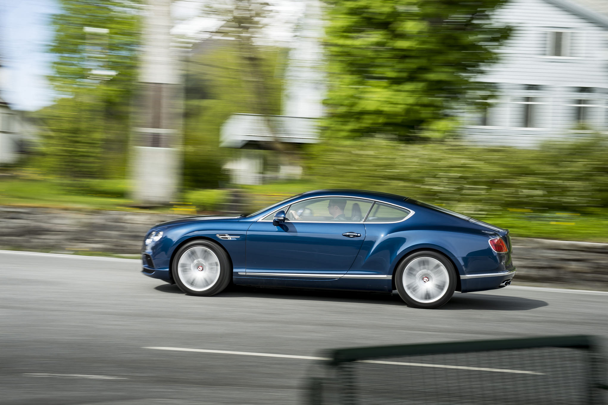 Side View Bentley Continental GT V8 Coupe 2016