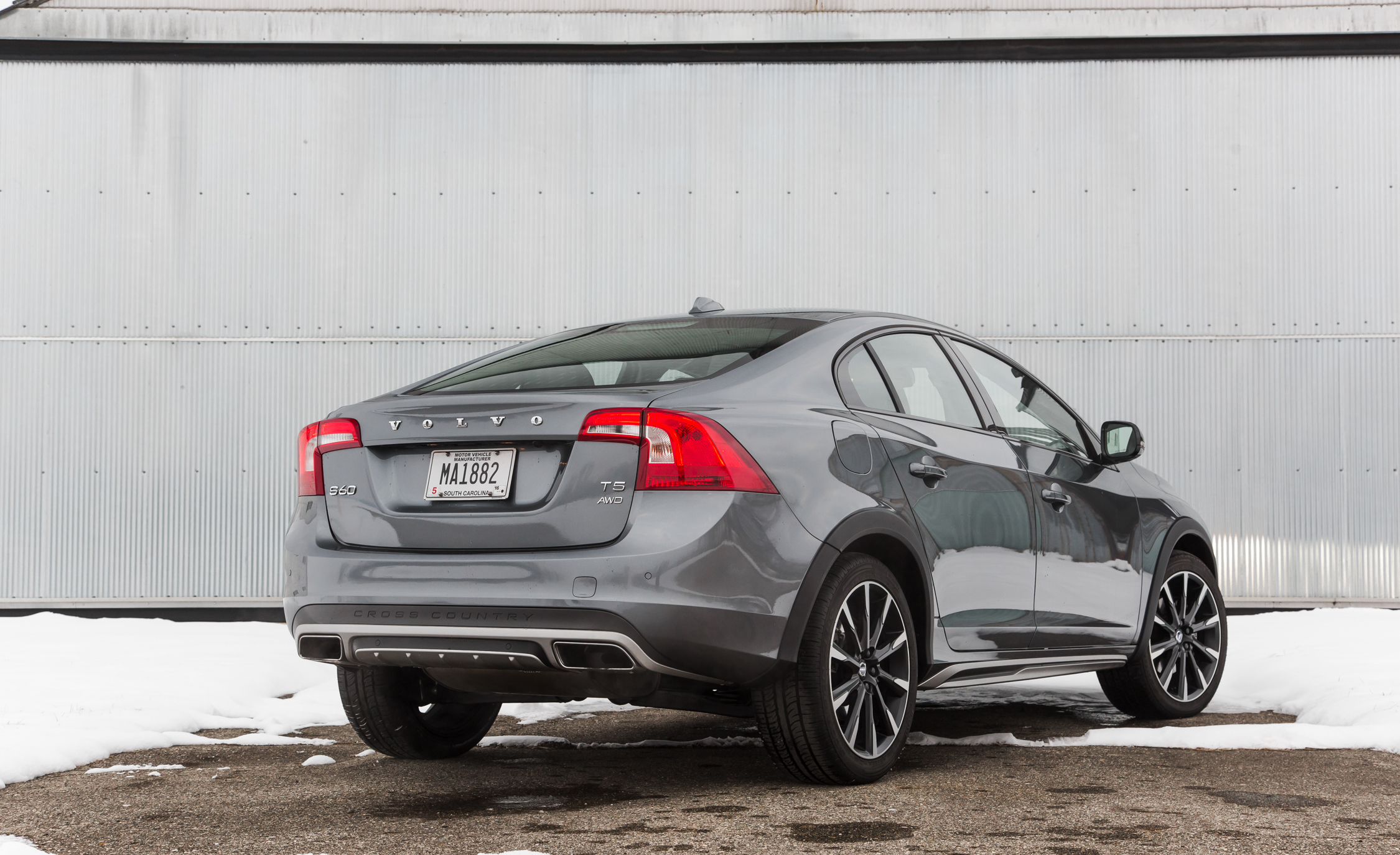 2016 Volvo S60 Cross Country Exterior Full Rear and Side