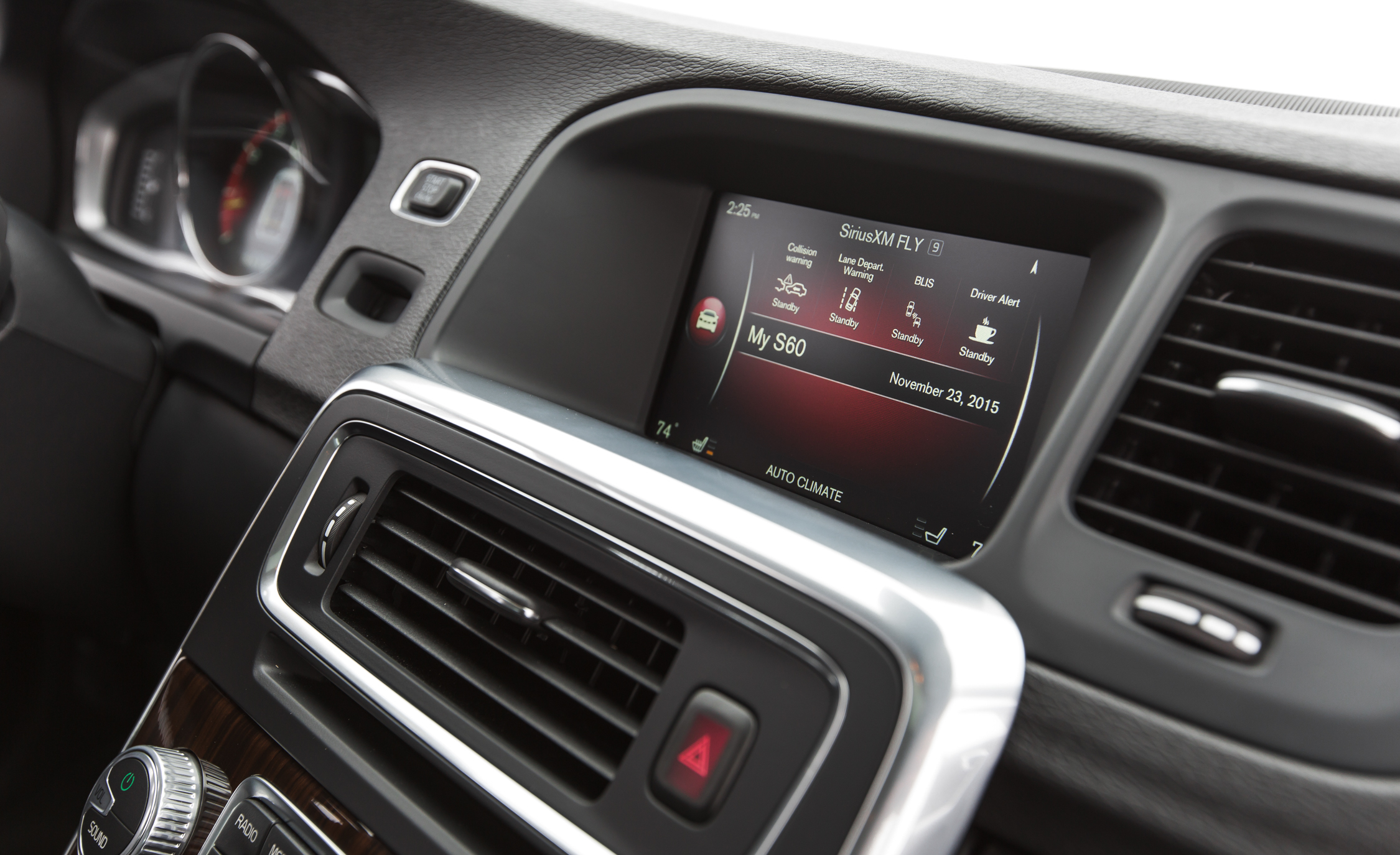 2016 Volvo S60 Cross Country Interior Headunit