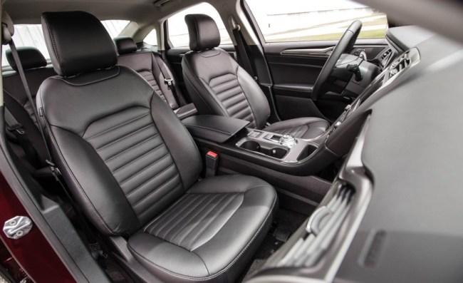 2017-Ford-Fusion-hybrid-128-876x535