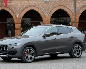 2017 Maserati Levante Side View