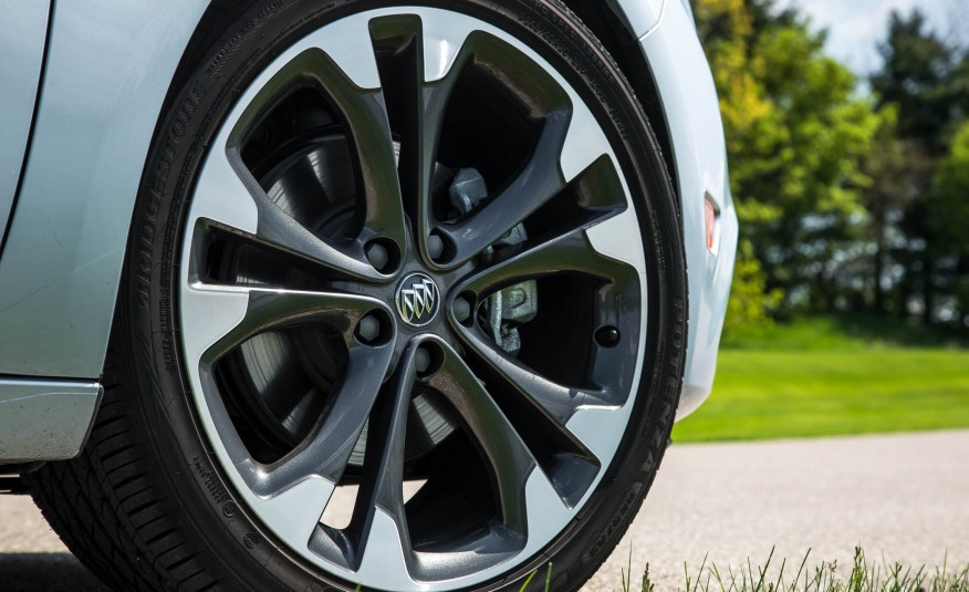 2017 Buick Cascada Wheels View