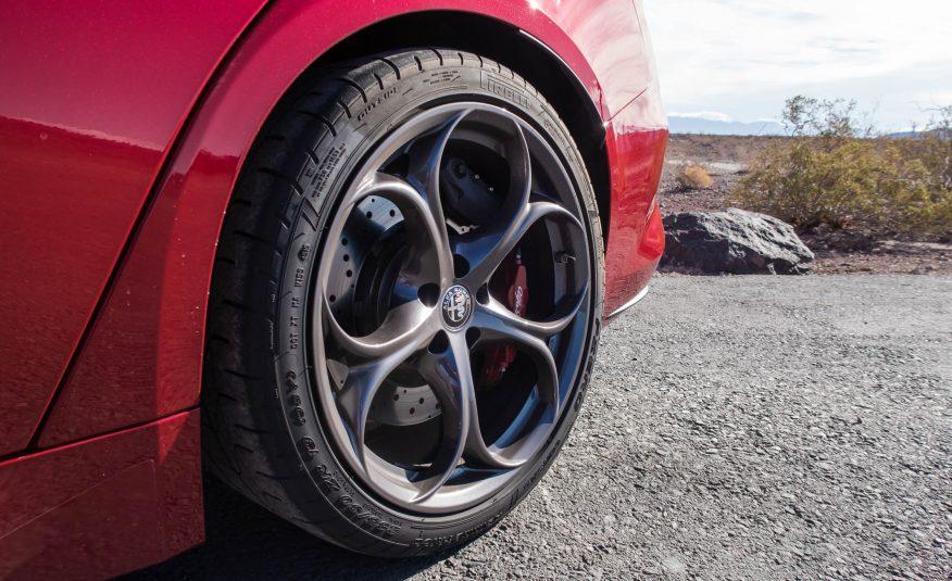 2017 Alfa Romeo Giulia Quadrifoglio Wheels View