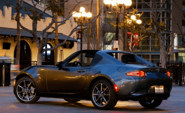 2017 Mazda MX-5 Miata side review exterior