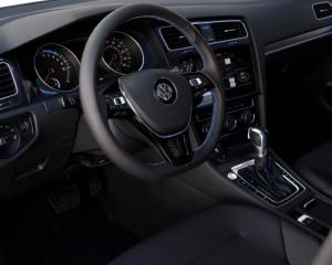 2017 Volkswagen e-Golf Interior Steering View