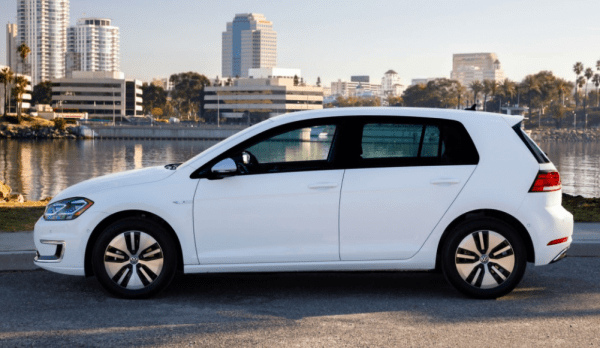 2017 Volkswagen e-Golf side review