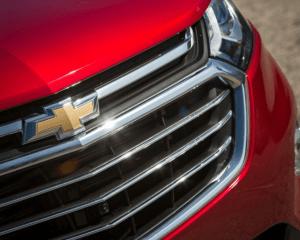 2018 Chevrolet Equinox Headlights View