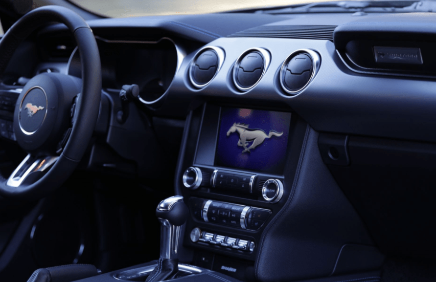 2018 Ford Mustang Steering View