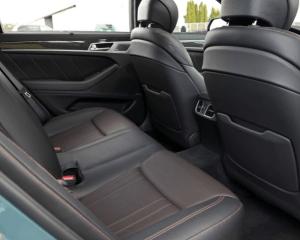 2018 Genesis G80 Sport Seats View