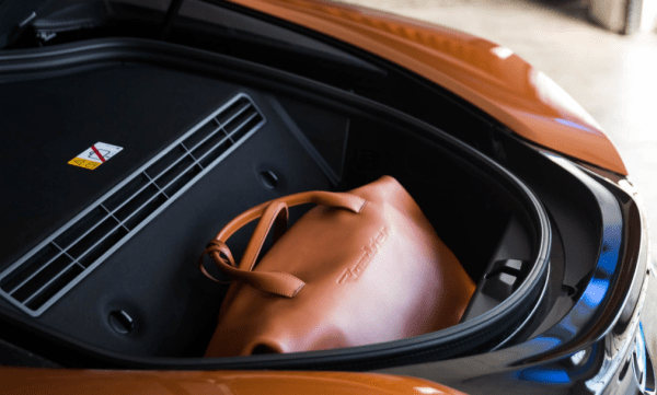 2019 BMW i8 cargo review