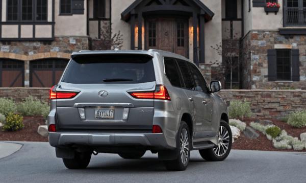 2018 Lexus LX570 rear review