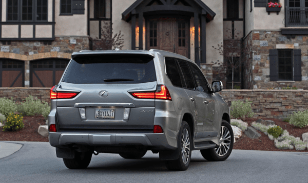 2018 Lexus LX570 rear review