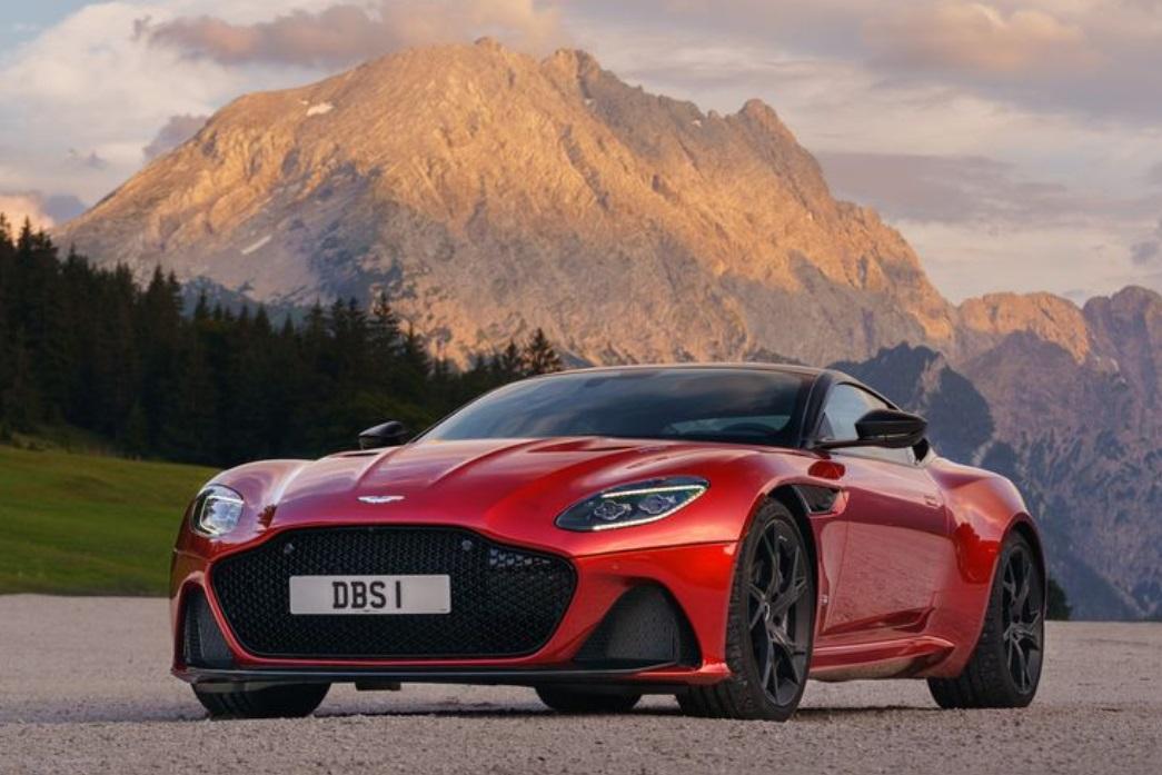 2019 Aston Martin DBS Superleggera Front View