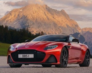 2019 Aston Martin DBS Superleggera Front View