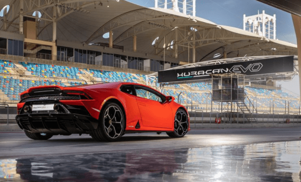 2020 Lamborghini huracan evo rear review