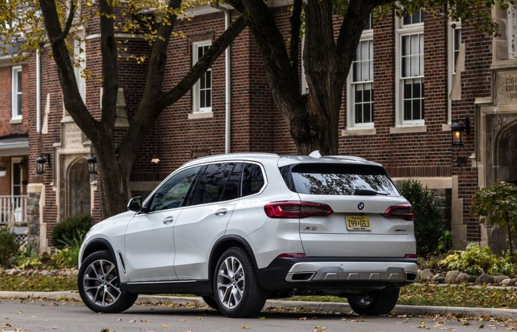 2019 BMW X5 Rear View