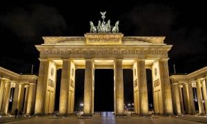 porte-brandebourg-berlin-nuit.jpg
