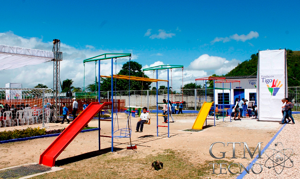 Escuela-ABC-Digital_Popun-Peten_Guatemala_juegos