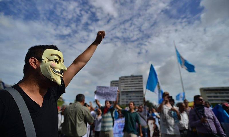 Hacktivistas y Piratas Informáticos en Guatemala
