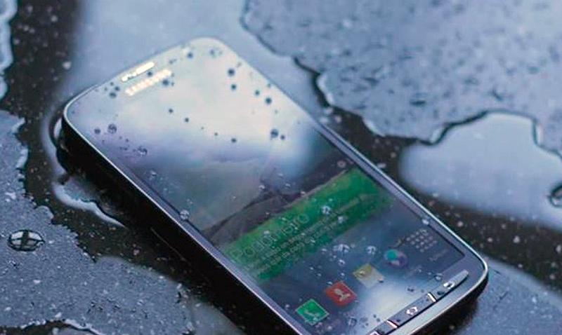 celular-mojado-1