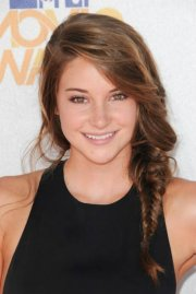 cute girl side fishtail hairstyles