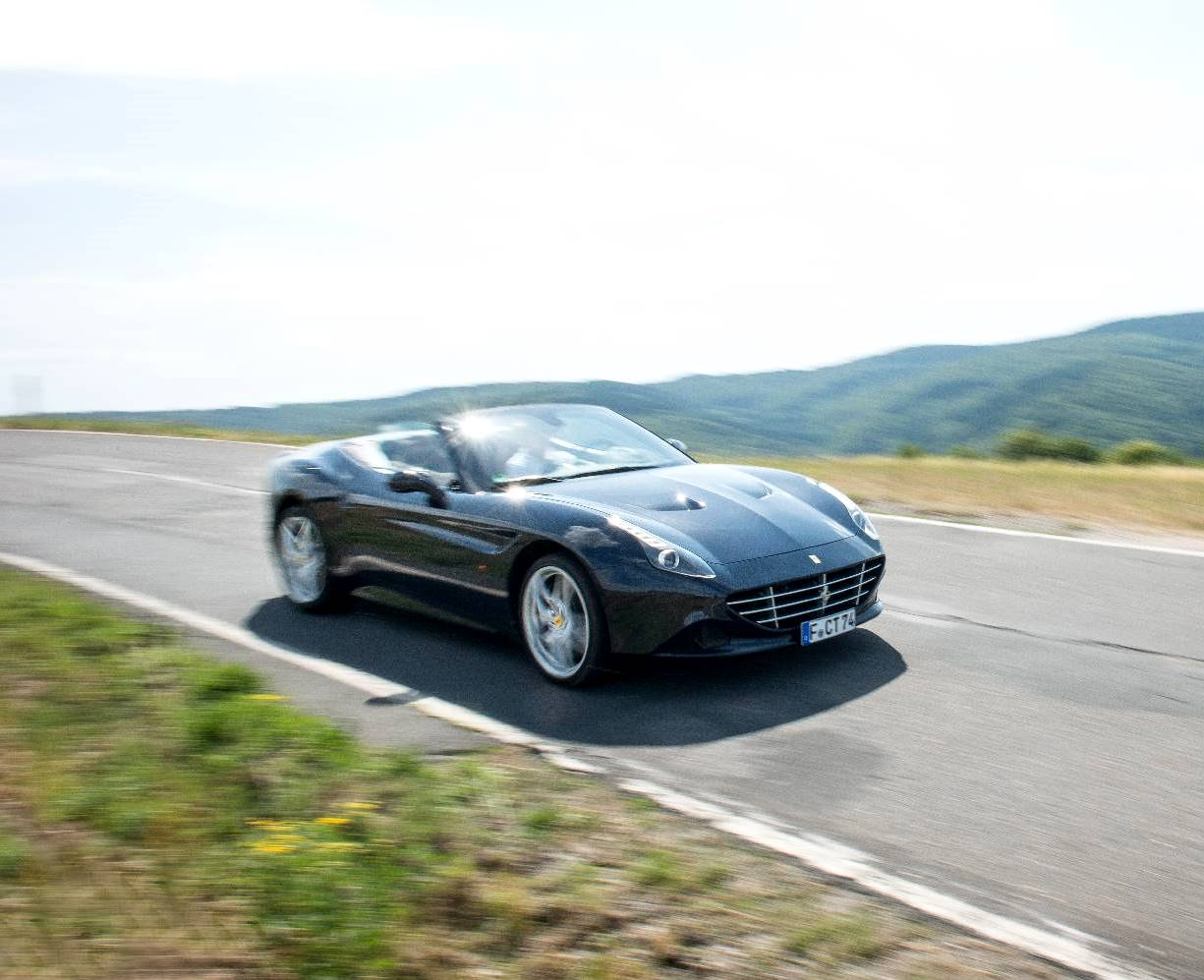 hight resolution of performance wise the ferrari california t s v8 turbocharged engine provides 560hp and up to 755nm of torque this allows the california t to sprint from