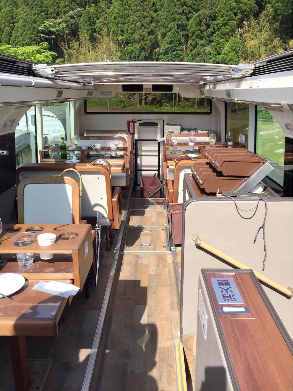 レストランバス 2階座席