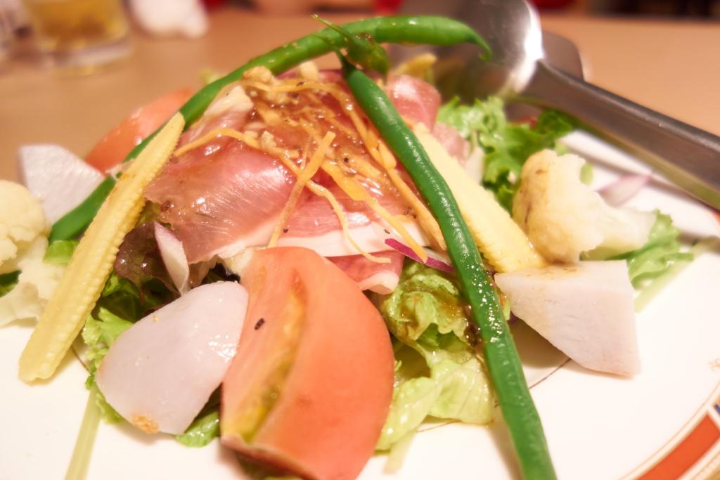 タツダcafe kitchen 生ハムサラダ