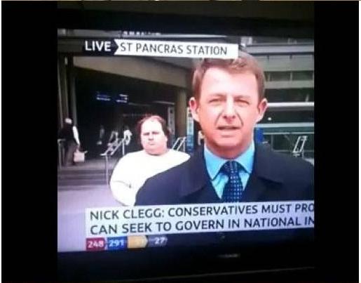 好笑的胖子打亂BBC新聞25次   奇怪的東西