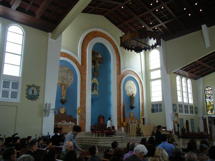 聖母マリア大聖堂祭壇