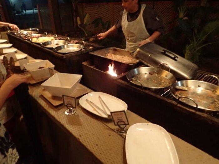 「ザ・ビーチ」BBQビュッフェディナー