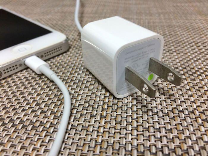 iPhoneの純正充電器